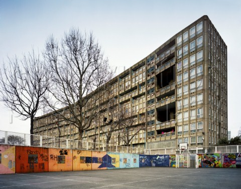 Name:  A158-00228_Robin_Hood_council_estate_with_gardens_shot_from_inside_the_sportsground_London_UK.jpg Views: 236 Size:  67.0 KB