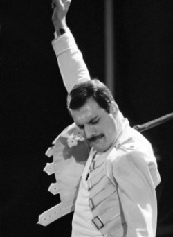 Name:  freddie-mercury-actors-photo-u4.jpg