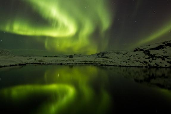 Name:  iceland-aurora-120125.jpg Views: 269 Size:  132.0 KB