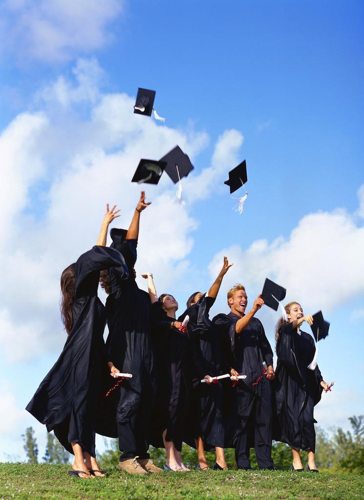 Name:  Graduation-21.jpg Views: 489 Size:  179.4 KB