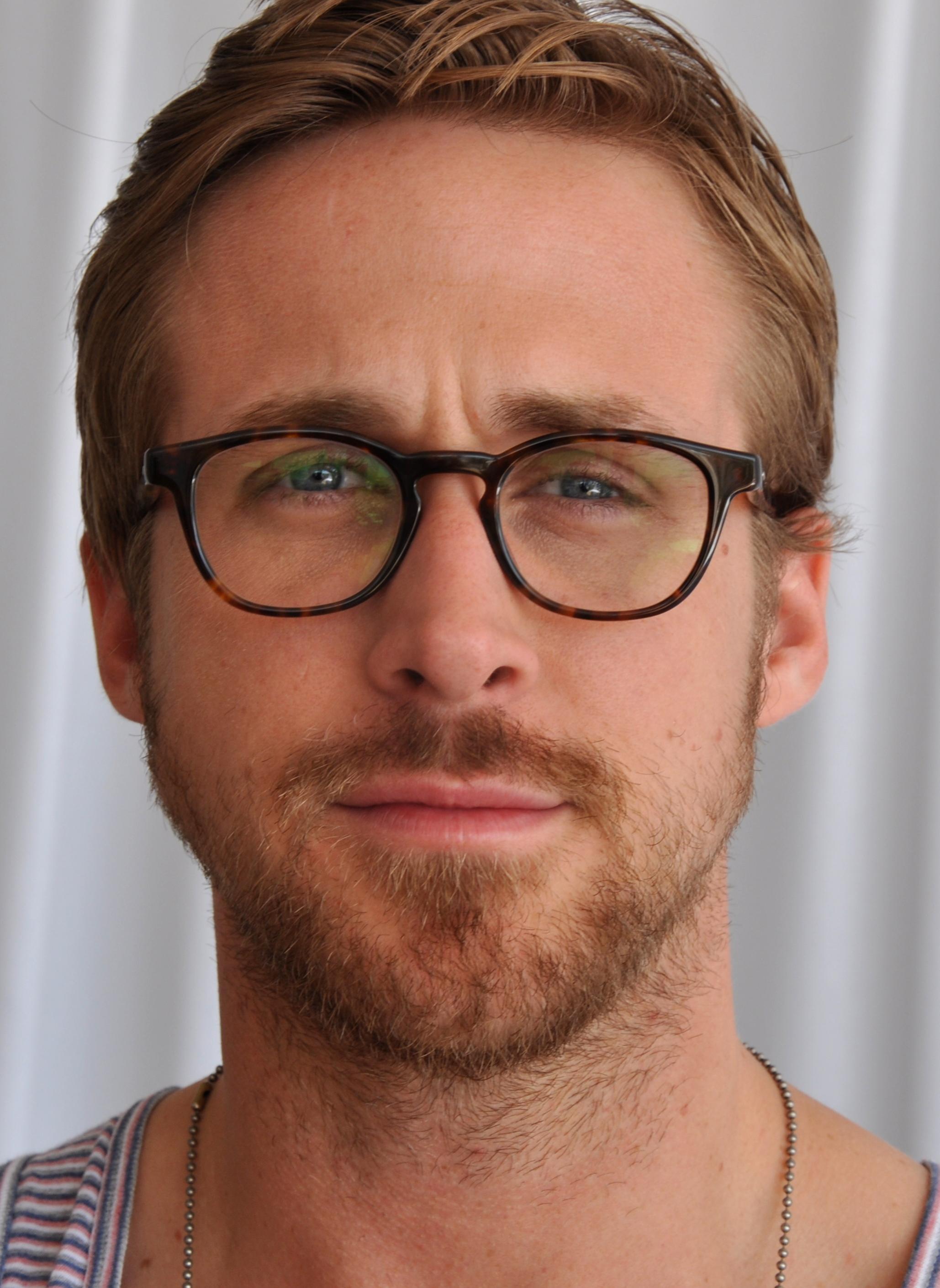 Name:  Ryan_Gosling_2_Cannes_2011_(cropped).jpg Views: 33 Size:  406.4 KB