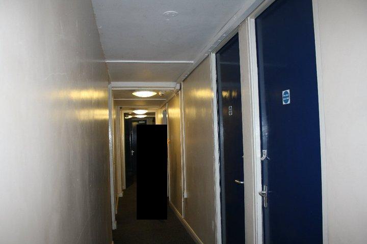 Name:  hallway.jpg Views: 147 Size:  30.4 KB