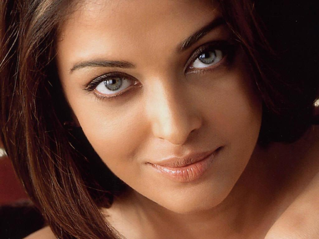 Name:  Aishwarya-Rai-3.jpg Views: 266 Size:  82.1 KB