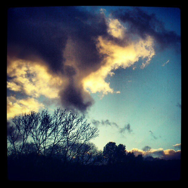 Name:  grey white cloud layering.jpg Views: 106 Size:  86.7 KB