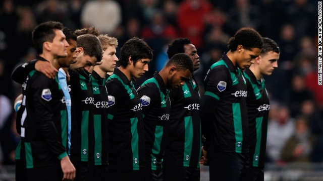 Name:  130411160628-football-minute-silence-dutch-horizontal-gallery.jpg