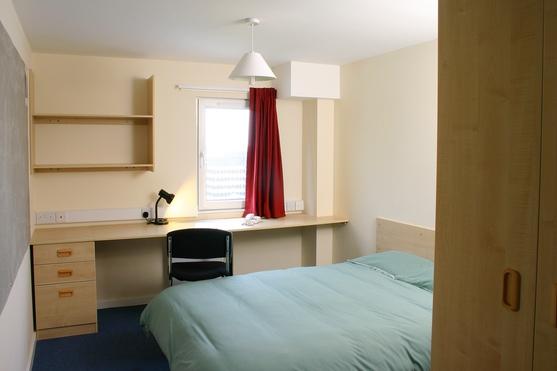 Name:  Double_Bedroom.JPG Views: 1025 Size:  58.6 KB