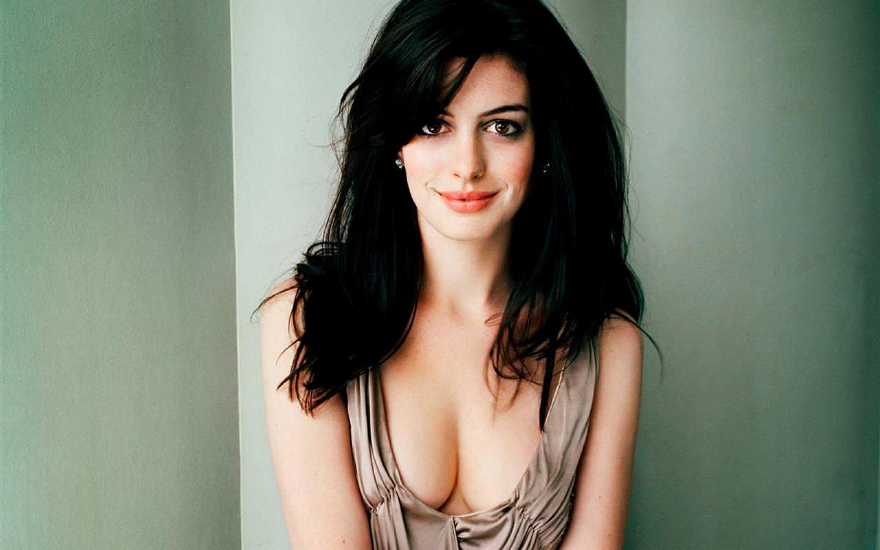 Name:  Anne-Hathaway-anne-hathaway-749084_1280_800.jpg Views: 191 Size:  99.1 KB