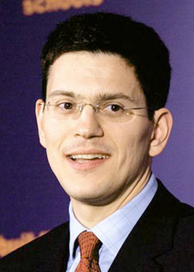 Name:  Arsenal+fan+David+Miliband+has+plenty+of+admirers,+not+necessarily+due+to+his+work+as+Minister+f.jpg Views: 94 Size:  41.6 KB