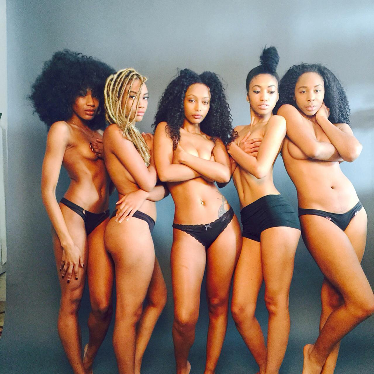 A group of naked black chicks, big pussy pinay