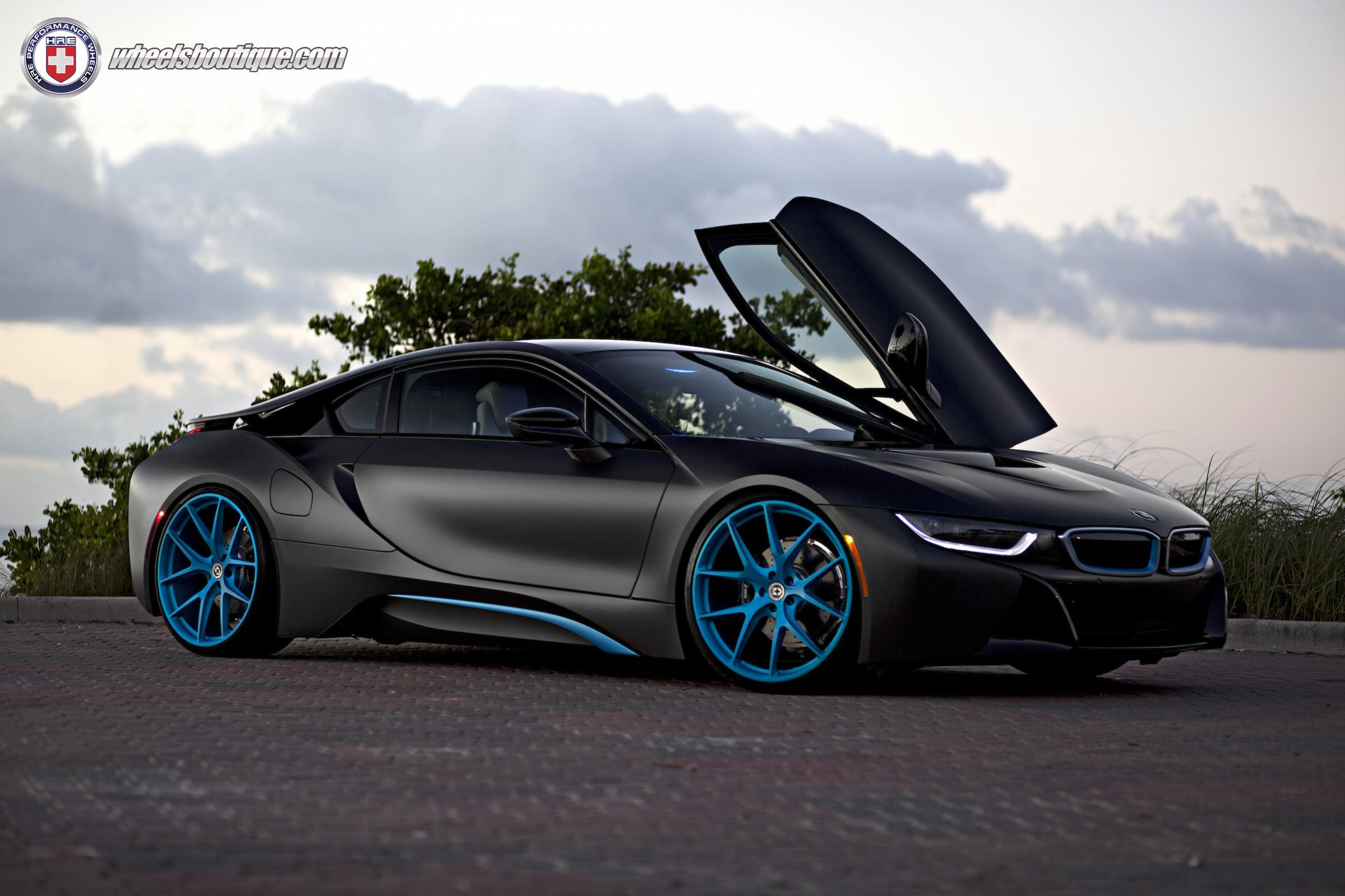 Name:  break-the-internet-the-bmw-i8-edition-photo-gallery_3.jpg Views: 53 Size:  272.5 KB