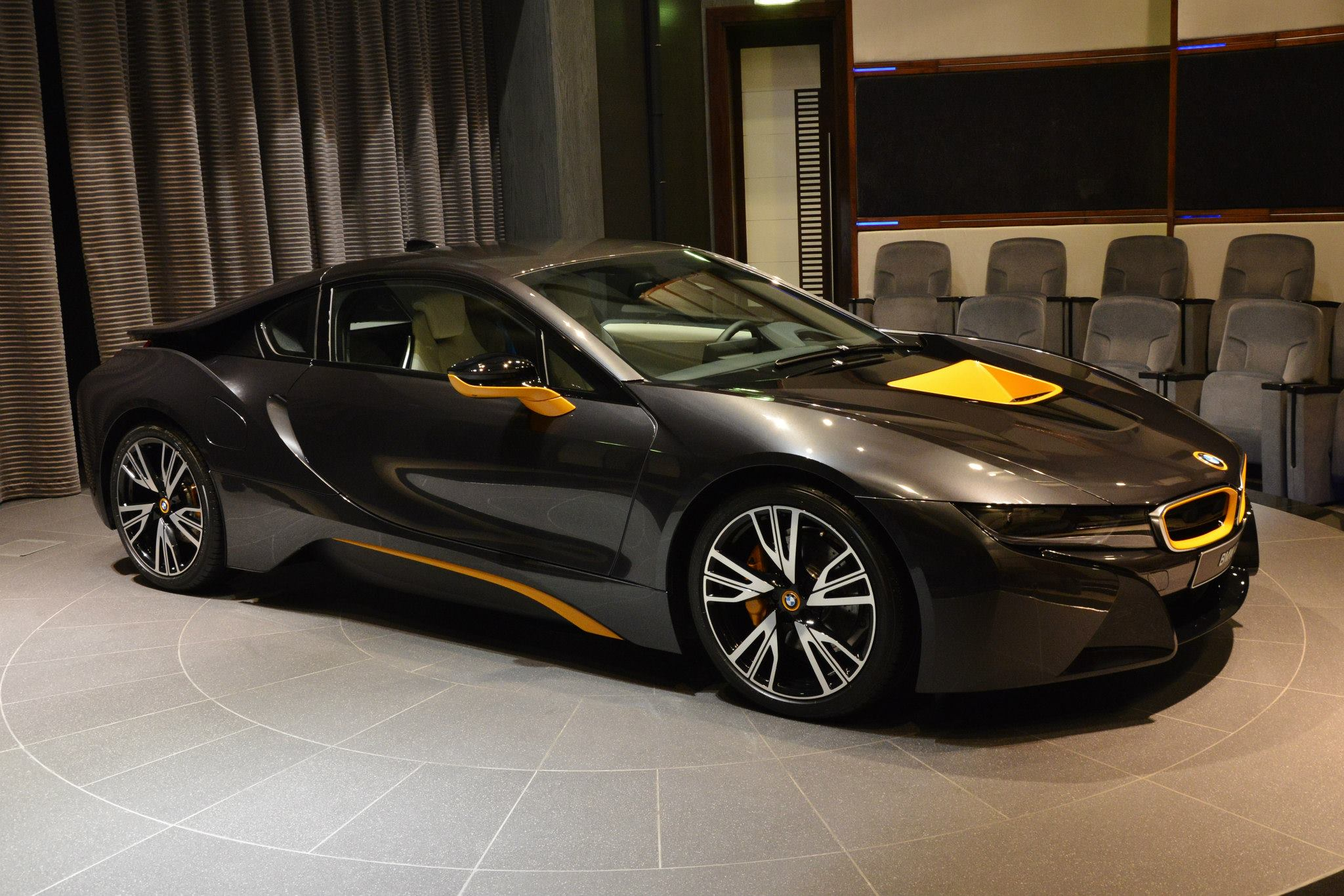 Name:  individual-bmw-i8-with-yellow-highlights-shows-up-in-abu-dhabi-photo-gallery_3.jpg