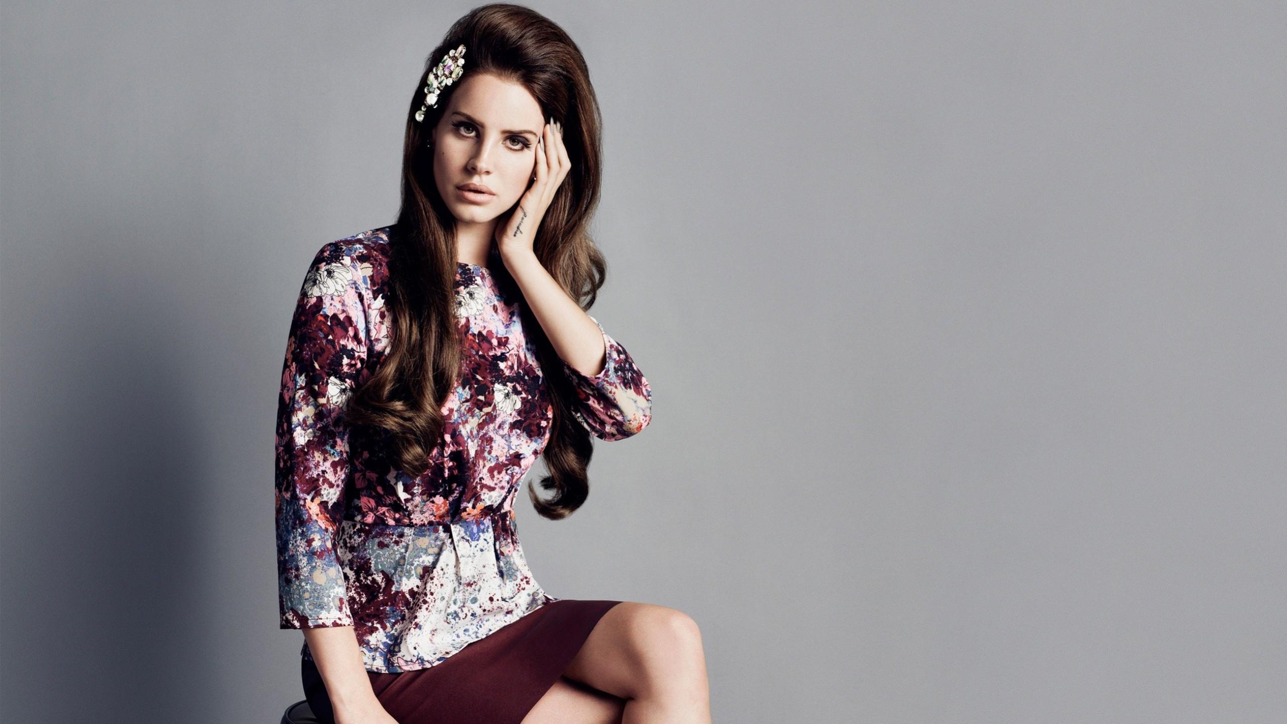 Name:  Lana Del Rey.jpg Views: 44 Size:  304.5 KB