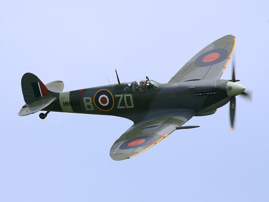 Name:  Ray_Flying_Legends_2005-1.jpg Views: 19 Size:  200.1 KB