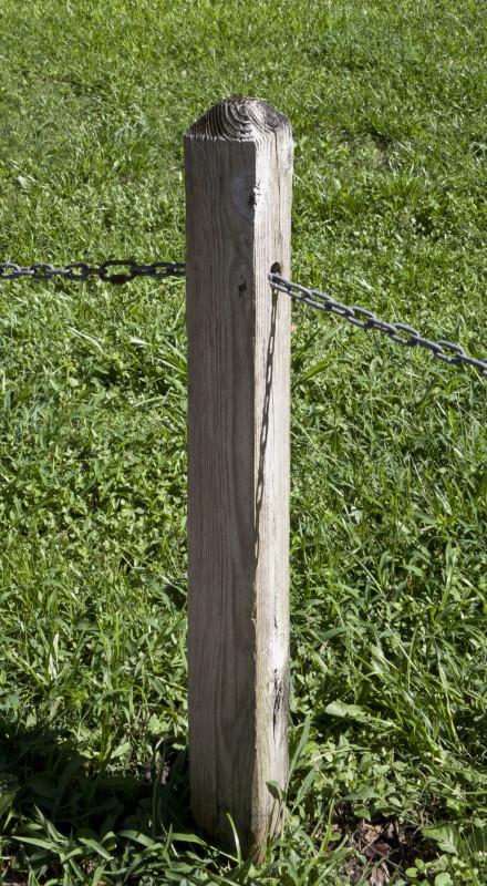 Name:  wooden-post-that-has-metal-chain-running-through-it_medium.jpg Views: 112 Size:  215.1 KB