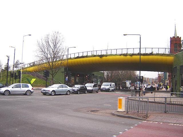 Name:  Mile_end_green_bridge_1.jpg Views: 1728 Size:  145.6 KB