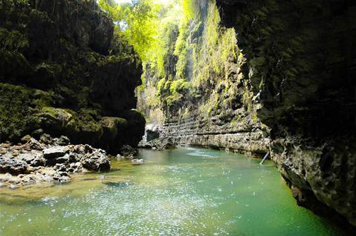 File:Wisata alam-green canyon1.jpg
