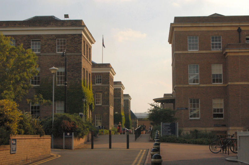 File:800px-University of Leicester campus 3.jpg