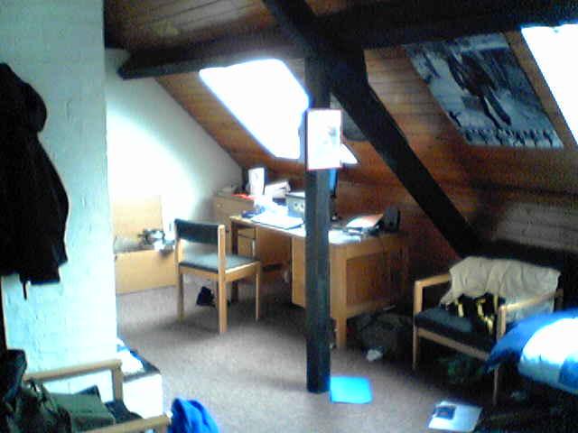 File:Clare college - attic room.jpg