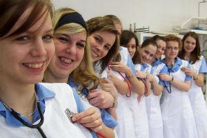 File:Nurses.jpg