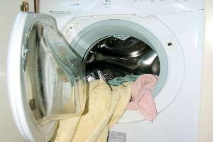 File:Washingwashingwashing.jpg