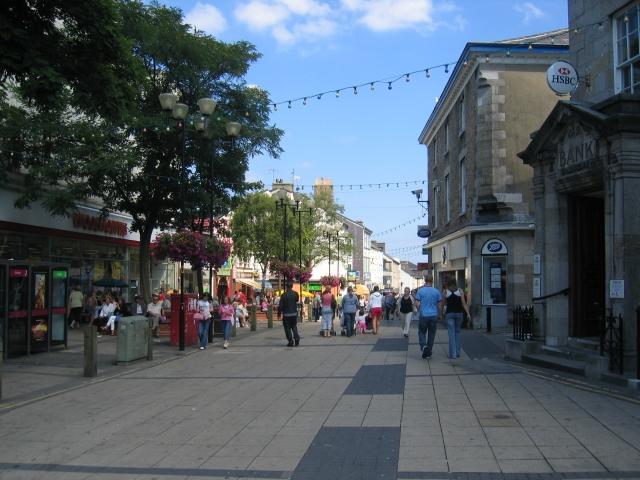 File:Bangor HIgh Street.jpg