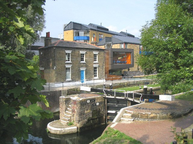 File:Mile end lock.jpg
