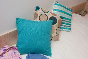 File:Cushions.jpg