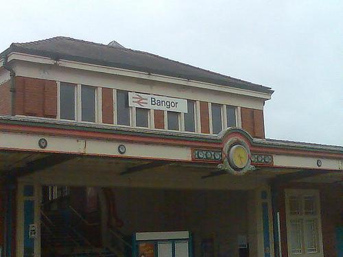 File:Bangor Station 1.jpg