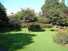 File:Castle Gardens.jpg