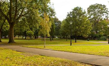 File:Ealing-park. resized.jpg