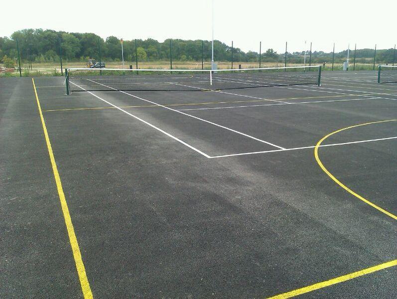 File:Warwick Lakeside Tennis Courts 1.jpg
