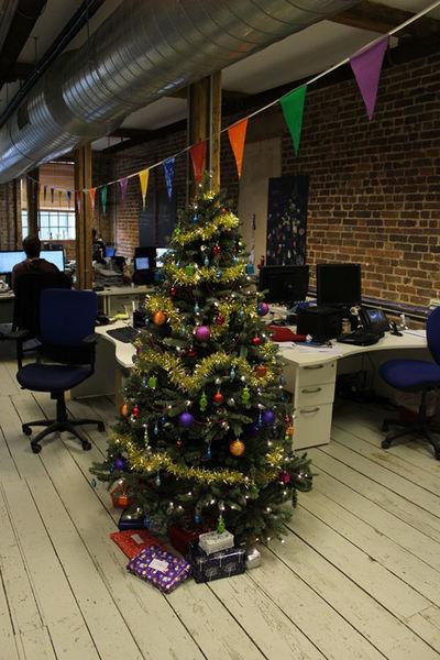 File:Office xmas tree.jpg
