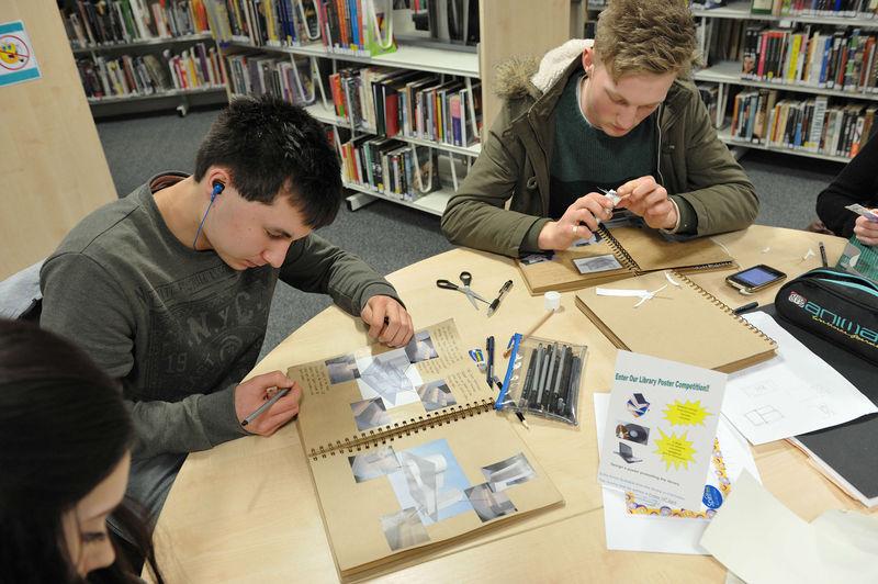 File:Librarystudents.jpg