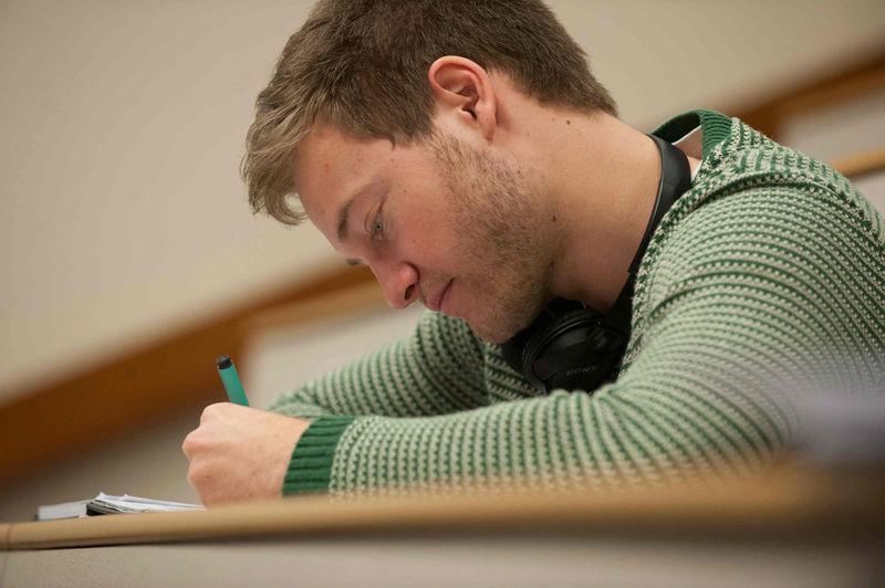 File:Exams2.jpg
