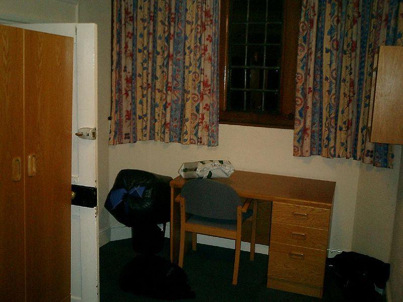 File:Pembroke band d room 2.jpg