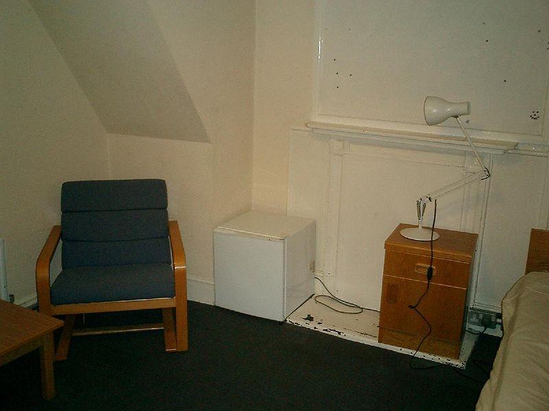File:Pembroke band d room 4.jpg