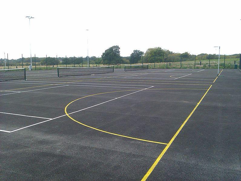 File:Warwick Lakeside Tennis Courts Large 2.jpg